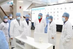 【市中医微讯】上海中医药大学领导来院观察防控作业