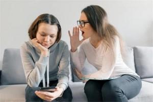 当更年期的爸爸妈妈遇上了青春期的子女又该怎么应对呢